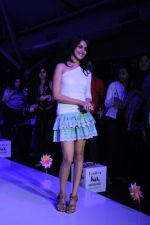 Genelia D Souza walk the ramp for Nishka Lulla Show at Kids Fashion Week day 3 on 19th Jan 2012 (12).JPG