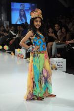 Kids walk the ramp for Nishka Lulla Show at Kids Fashion Week day 3 on 19th Jan 2012 (16).JPG