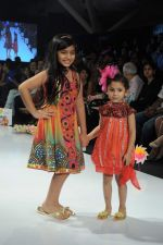 Kids walk the ramp for Nishka Lulla Show at Kids Fashion Week day 3 on 19th Jan 2012 (21).JPG
