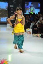 Kids walk the ramp for Nishka Lulla Show at Kids Fashion Week day 3 on 19th Jan 2012 (22).JPG