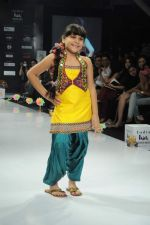 Kids walk the ramp for Nishka Lulla Show at Kids Fashion Week day 3 on 19th Jan 2012 (23).JPG