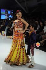 Kids walk the ramp for Nishka Lulla Show at Kids Fashion Week day 3 on 19th Jan 2012 (25).JPG
