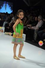 Kids walk the ramp for Nishka Lulla Show at Kids Fashion Week day 3 on 19th Jan 2012 (29).JPG