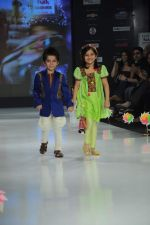 Kids walk the ramp for Nishka Lulla Show at Kids Fashion Week day 3 on 19th Jan 2012 (32).JPG