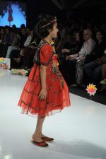 Kids walk the ramp for Nishka Lulla Show at Kids Fashion Week day 3 on 19th Jan 2012 (37).JPG