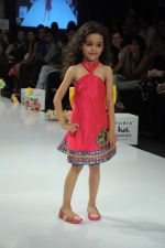 Kids walk the ramp for Nishka Lulla Show at Kids Fashion Week day 3 on 19th Jan 2012 (43).JPG