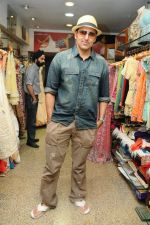 Pravin Dabbas at designer AD Singh store in Mumbai on 22nd Jan 2012.JPG