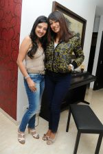 Amy Billimoria with Anjali Pandey at Amy billimoria hosted a karoake night party in Mumbai on 26th Jan 2012.JPG