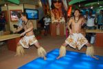 Hawaiin dancers at Maui Jim sunglasses launch in NSE Goregaon on 30th Jan 2012 (21).JPG