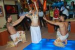 Hawaiin dancers at Maui Jim sunglasses launch in NSE Goregaon on 30th Jan 2012 (25).JPG