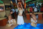 Hawaiin dancers at Maui Jim sunglasses launch in NSE Goregaon on 30th Jan 2012 (26).JPG