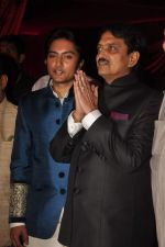 Vilasrao Deshmukh at Genelia D_Souza and Ritesh Deshmukh wedding reception in Hotel Grand Hyatt, Mumbai on 4th Feb 2012 (151).JPG