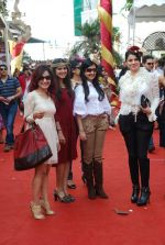 Nandini Singh, Amy Billimoria at Mcdowell Signature Derby day 1 in RWITC on 5th Feb 2012 (241).JPG
