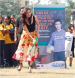 Dia Mirza supporting NDTV_s Marks for Sports campaign by participating in a game of Hockey (4) - Copy.JPG