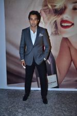 Rahul Khanna at Moet & Chandon valentine Party in Mumbai on 9th Feb 2012 (70).JPG