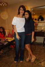 Surily Goel, Faarah Khan at Faarah Khan Valentine collection launch in Mumbai on 10th Feb 2012 (46).JPG