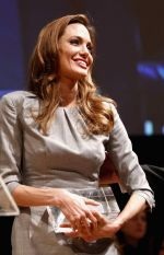 Angelina Jolie at Cinema for Peace in Berlin on 13th Feb 2012 (12).JPG