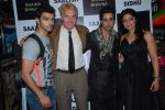 Gary Richardson at Designer Saazish Sidhu and Shaina Singh debut bridal show in Khaugalli on 13th Feb 2012 (86).JPG
