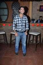 Hiten Tejwani at dream valentine date  contest by Diya Diamonds in Kino 108 on 14th Feb 2012 (19).JPG