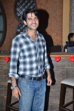 Hiten Tejwani at dream valentine date  contest by Diya Diamonds in Kino 108 on 14th Feb 2012 (40).JPG