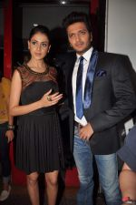 Ritesh Deshmukh, Genelia D_Souza on the sets of Dance India Dance in Famous on 20th feb 2012 (60).JPG