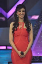 Saumya Tandon on the sets of Dance India Dance in Famous on 20th feb 2012 (63).JPG