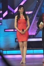 Saumya Tandon on the sets of Dance India Dance in Famous on 20th feb 2012 (64).JPG