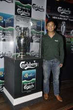 Baichung Bhutia unveil Carlsberg Euro Cup in Manchester United Cafe, MUmbai on 26th Feb 2012 (30).JPG