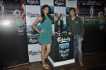 Simran Kaur Mundi, Baichung Bhutia unveil Carlsberg Euro Cup in Manchester United Cafe, MUmbai on 26th Feb 2012 (31).JPG