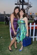 at Poonawala breeders Multi Million race in Mumbai on 26th Feb 2012 (172).JPG