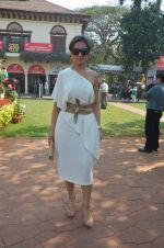 lata patel at Poonawala breeders Multi Million race in Mumbai on 26th Feb 2012.JPG