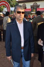 satish manshinde at Poonawala breeders Multi Million race in Mumbai on 26th Feb 2012.JPG