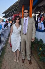 simone poonawala with fiance at Poonawala breeders Multi Million race in Mumbai on 26th Feb 2012.JPG