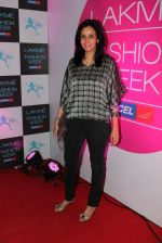 at Lakme fashion week opening bash in Blue Frog on 1st March 2012 (21).JPG