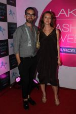 at Lakme fashion week opening bash in Blue Frog on 1st March 2012 (49).JPG