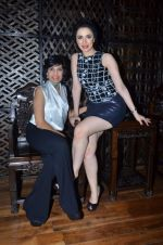Nargis Bagheri with designer Mona Shroff at post party at China House on 3rd March 2012 (14).JPG