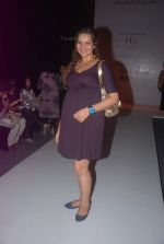Shweta Kawatra at Mayank Anand and Shraddha Nigam Show at lakme fashion week 2012 Day 3 in Grand Hyatt, Mumbai on 4th March 2012 (2).JPG