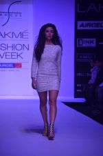 Mia walk the ramp for Payal Kapoor Show at lakme fashion week 2012 Day 5 in Grand Hyatt, Mumbai on 6th March 2012 (2).JPG