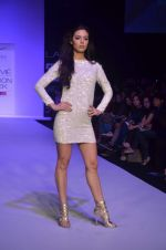 Mia walk the ramp for Payal Kapoor Show at lakme fashion week 2012 Day 5 in Grand Hyatt, Mumbai on 6th March 2012 (4).JPG