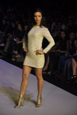 Mia walk the ramp for Payal Kapoor Show at lakme fashion week 2012 Day 5 in Grand Hyatt, Mumbai on 6th March 2012 (8).JPG