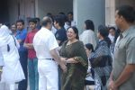 Tabassum at joy mukherjee funeral in Mumbai on 10th March 2012 (51).JPG