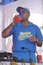 Virender Sehwag launches rasna in Mumbai on 10th March 2012 (68).JPG