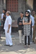 at joy mukherjee funeral in Mumbai on 10th March 2012 (109).JPG