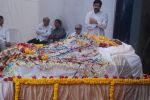 at joy mukherjee funeral in Mumbai on 10th March 2012 (4).JPG