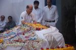 at joy mukherjee funeral in Mumbai on 10th March 2012 (6).JPG