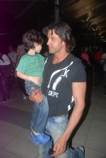 Hrithik Roshan snapped in Mumbai on 12th March 2012 (22).JPG