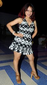 Madhuri Pandey at Naughty at forty Hawain surprise birthday party by Amy Billimoria on 12th March 2012.JPG