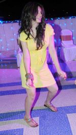 Shama Sikander at Naughty at forty Hawain surprise birthday party by Amy Billimoria on 12th March 2012.JPG