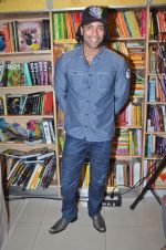 Akashdeep Saigal at the launch of Kiran Manrals book in Crossword, Juhu on 16th March 2012 (36).JPG