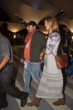 Vikram Chatwal arrives in India with gf in Mumbai Airport on 17th March 2012 (12).JPG